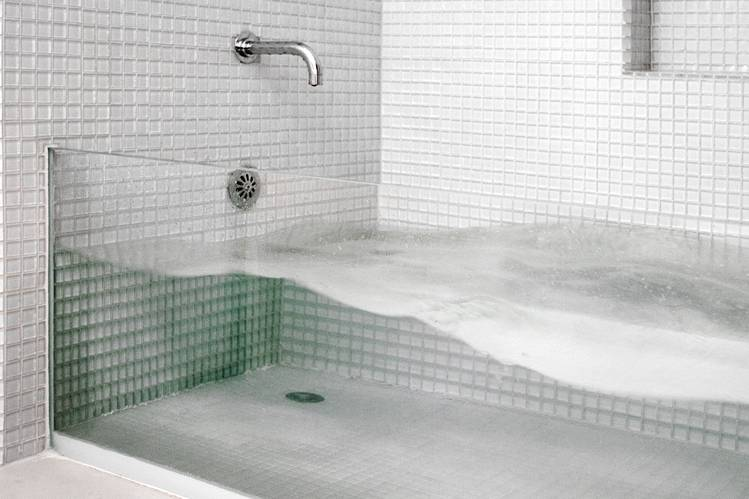 The invisible bathtub building materials malaysia for Tub materials