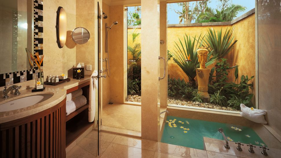 Small Spa Like Bathroom